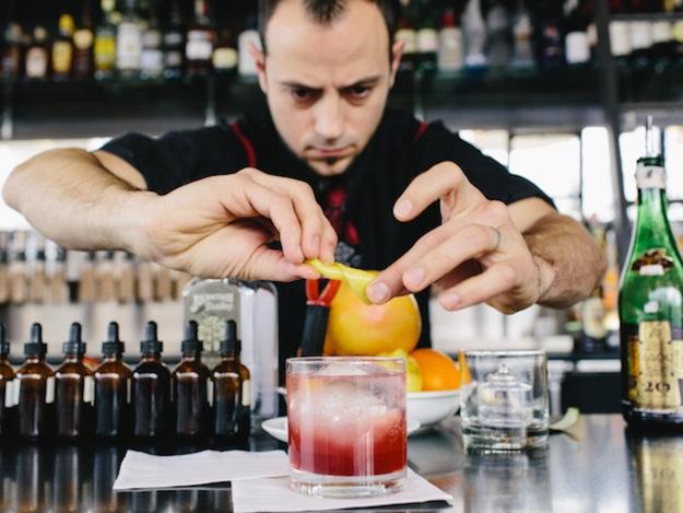 bartender-condotel-nha-trang