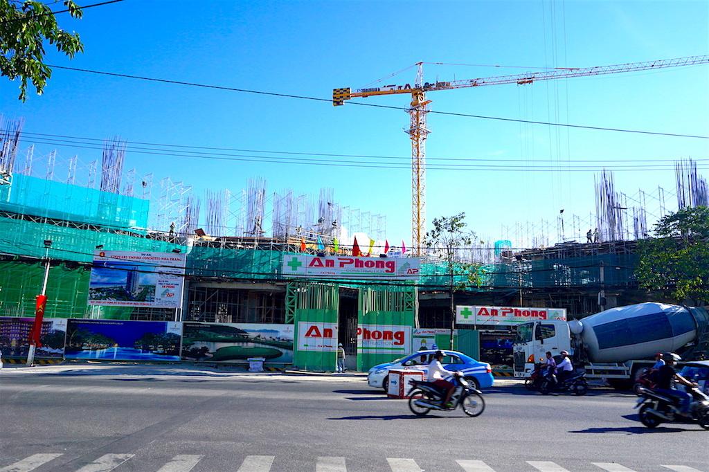 Tien do du an Vinpearl Empire Condotel Le Thanh Ton -7